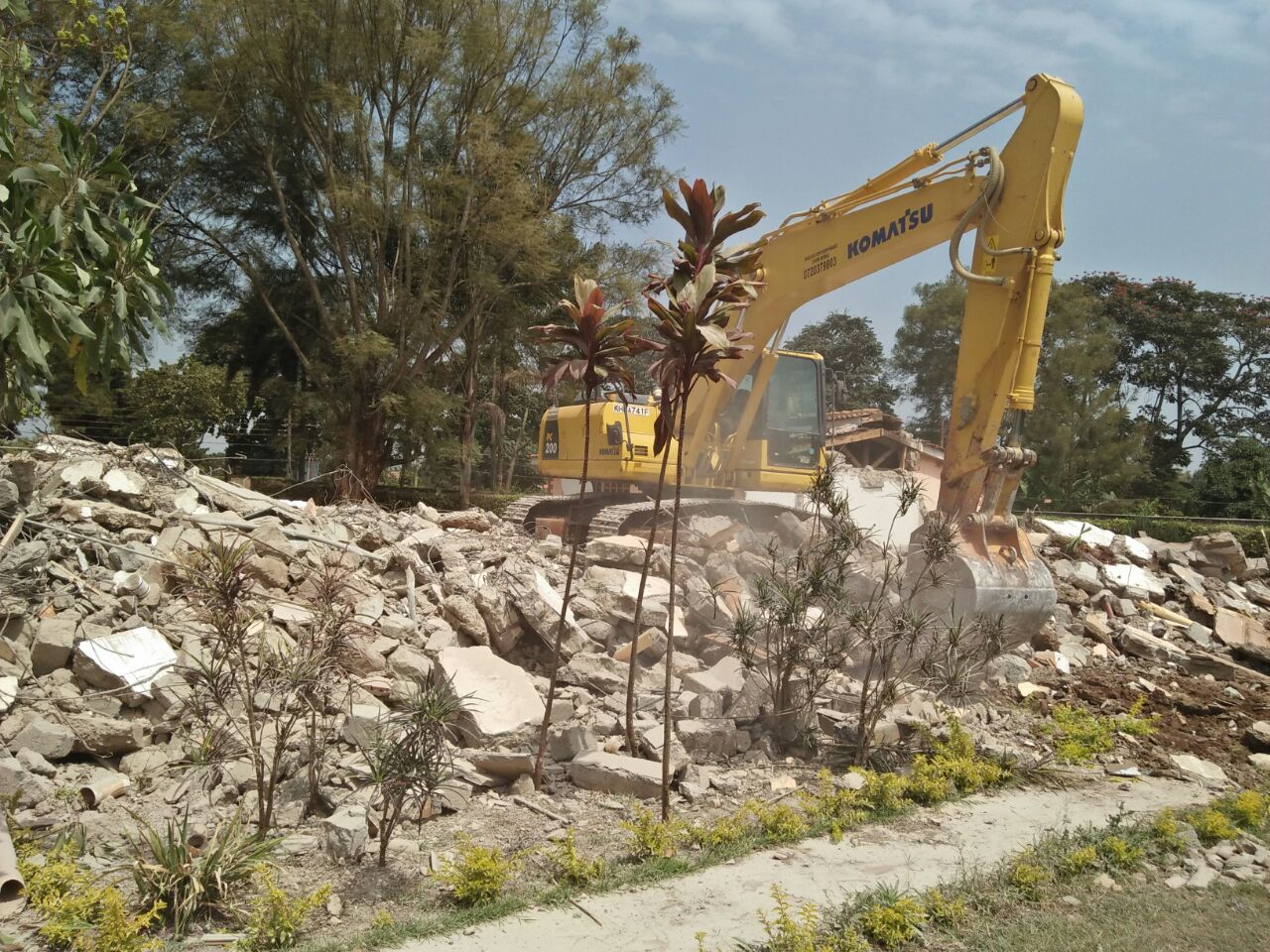 Road grading, compaction - Pullman Excavators Nairobi Kenya